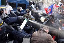Vidéo La dernière Manif pour tous dérape avec violence - Vidéo Actualités - Look Ma Video.fr   Buzz, humour et vidéos drôles   Scoop.it