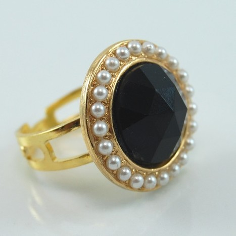 Faceted Black and Pearl Gold Cocktail Ring - Repurposed Vintage Jewelry   Beautiful Jewellery   Scoop.it