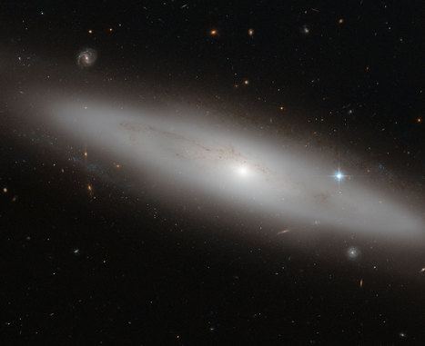 NASA's Hubble Sees a Stranger in the Crowd | Talks 4 tech | Scoop.it
