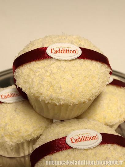 Un Cupcake, l'Addition !: Cupcakes très Coco façon Ferrero Raffaelo® | Cupcakes en France | Scoop.it