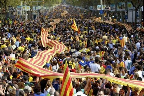 Springtime of Nations: Catalans Link Arms for Independence While ... | L'esquerra d'un nou país | Scoop.it