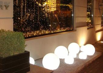 Ideas para la iluminaci n exterior pisc - Iluminacion jardin solar ...