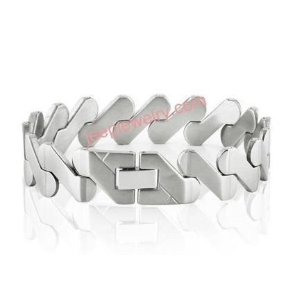 Wholesale Classical contracted edition pure titanium steel bracelets bracelets couple bracelet - $ 6.50 : Steel Jewelry Steel Bracelets | How to choose an ideal jewelry for your lover | Scoop.it