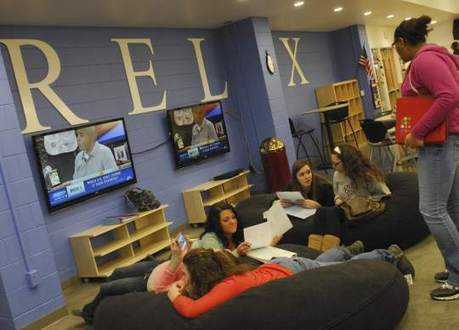 Elizabeth Forward's new library lounge is lap of luxury | Bookmarks--Ideas for Learning and Libraries @ CPL | Scoop.it