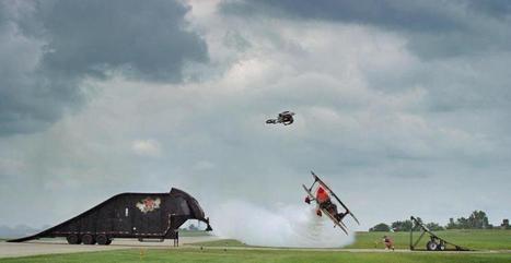 Cody Elkins saute en motocross au-dessus d'un avion ! | Positive climb | Scoop.it