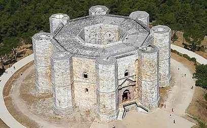 El asombroso castillo octogonal del monte   La Arquitectura Durante la Edad Media   Scoop.it