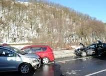 Pri Svidníku sa zrazilo päť áut, ľudia ostali zakliesnení - 24hod.sk | Poistenie auta | Scoop.it
