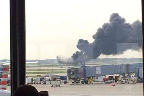 Passenger plane 'bursts into flames' during take-off at Chicago O'Hare airport sending smoke billowing into sky | Aviation Loss Log from GBJ | Scoop.it