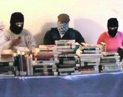 El Comando de Liberación Bibliotecaria secuestra 500 libros de la Red Municipal   Diana Regadera   Scoop.it