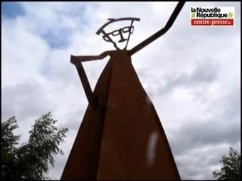 VIDEO. Châtellerault : monumental hommage à l'Abbé Pierre   Chatellerault, secouez-moi, secouez-moi!   Scoop.it