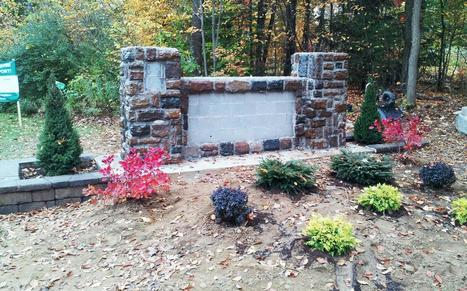 Neighbors build memorial wall for Deanna Rivers - cnweekly | Memorial, Monument and Mausoleum Designers | Scoop.it