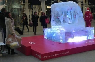 Experiential Marketing: 7 UP & giant ice cubes - Brandspace | experiential | Scoop.it