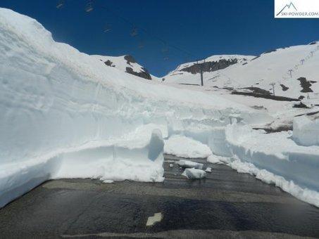 16 juin 2013: Un petit tour au Col de l'Iseran | Galibier: le déneigement n'a jamais été aussi difficile depuis 30 a,s | Scoop.it