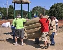 Homeless shelter playground gets a makeover - Lansing State Journal | Homeless Shelter Makeovers | Scoop.it