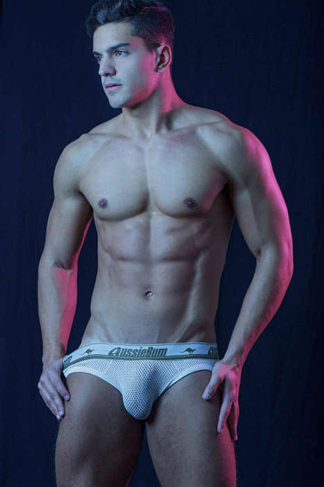 Diego Vivarelli Shirtless by Ronaldo Gutierrez - Shirtless Hunk Photos | Shirtless Hunk Photos | Scoop.it