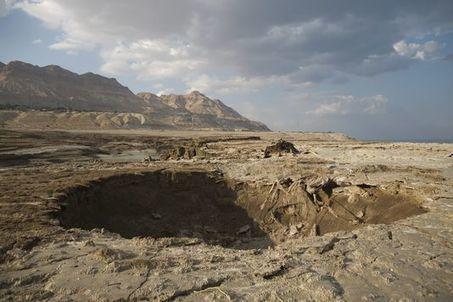 Le « fléau » des cratères de la mer Morte | Economie Responsable et Consommation Collaborative | Scoop.it