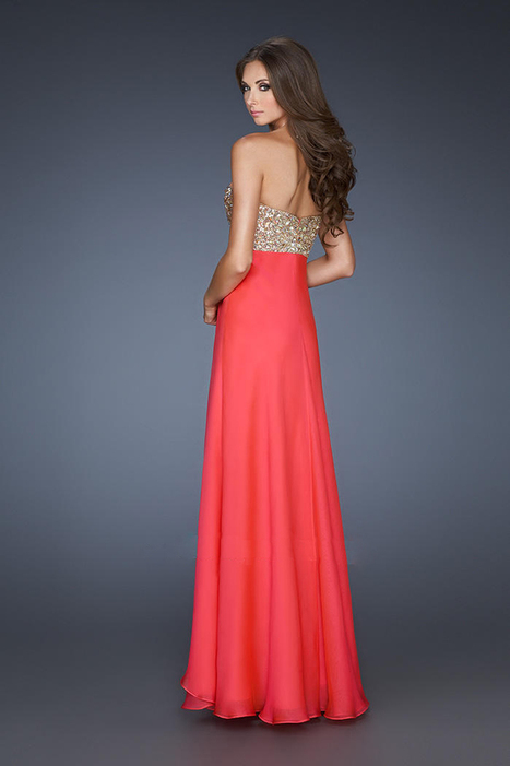A Line White V Sweetheart Neckline Chiffon Evening Gowns for You [Chiffon Evening Gowns] - $172.00 : 2014 Hot Sale Dresses   Party Dresses Discount for Prom   fashion   Scoop.it
