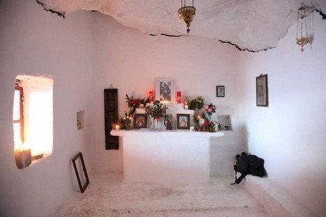 Ένα πανέμορφο Ελληνικό εκκλησάκι στη λίστα με τους 10 καλύτερους ναούς του κόσμου μέσα σε σπηλιά.   something to look out for   Scoop.it