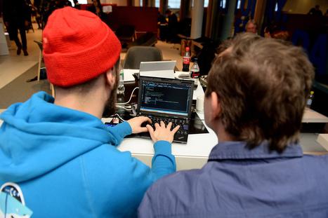 """Tuhannet opettajat opettelevat nyt koodaamaan – """"Lukutaidoton lapsikin pystyy tekemään näitä asioita sujuvasti"""" - Helsingin Sanomat   Digital TSL   Scoop.it"""