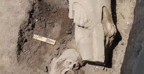 Το μαρμάρινο άγαλμα του Σιληνού που ανακαλύφθηκε στην αγορά της Πέλλας | LVDVS CHIRONIS 3.0 | Scoop.it