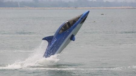Video: Flight testing the Seabreacher X – the 300 horsepower bionic shark | Random Tech | Scoop.it