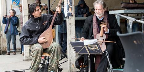 Lorsque la musique nous rappelle que nous sommes tous des êtres humains, unis par notre destin de Terriens... A Calais, Jordi Savall joue pour les migrants | TransEuropeEscape | Scoop.it