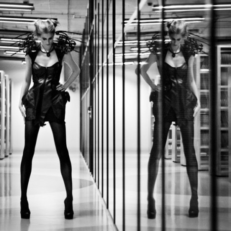 Creepy Spider Dress Protects Wearer's Personal Space | Strange days indeed... | Scoop.it
