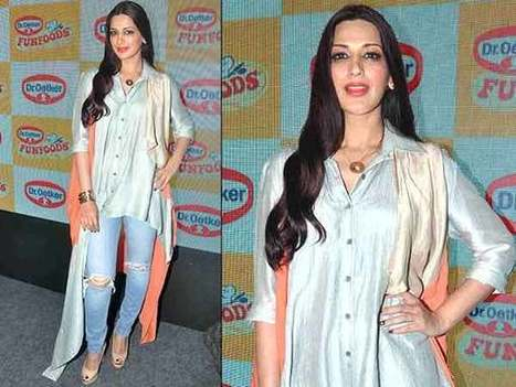 Take Kurti Lessons From Sonali Bendre Cape Kurti | Celebrity Fashion Trends | Scoop.it