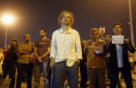 Taksim-Platz: Stehender Mann erzeugt Aufmerksamkeit | Digitale Gesellschaftspolitik gestalten | Scoop.it
