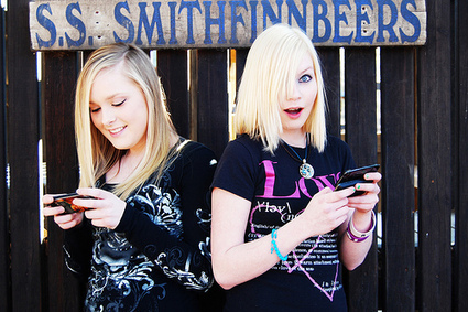 Teen smartphone use up 14% in last year | Youth Marketing | Scoop.it