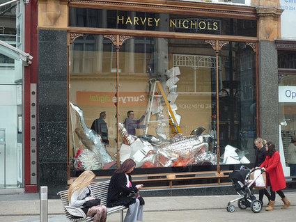 High Street Window Shopping and the Free Rider Problem - Economics Blog | European Finance & Economy | Scoop.it