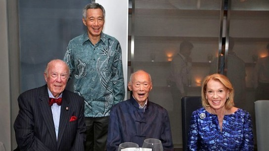Lee Kuan Yew hosts dinner for ex-US top diplomat George Shultz - Channel NewsAsia