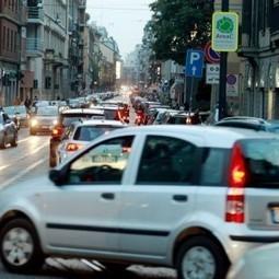 Milano, le auto in circolazione crollano ai minimi storici: in vent'anni meno 200 mila | e-bike, pedelec, mobilità sostenibile: una nuova opportunità | Scoop.it