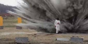 Amazing Video: Russian Woman Tests Bomb Suit by Walking Through Exploding Minefield | Global politics | Scoop.it