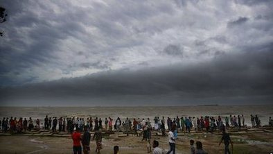Tropical storm batters Bangladesh | Geography at BM | Scoop.it