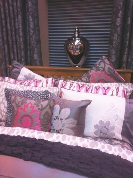Video: Bedroom Wallpaper Decorating Tips from UK Designer JeffBanks | Bedroom Wallpaper | Scoop.it