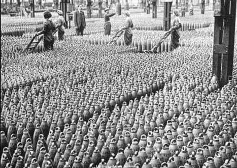 Les femmes participent activement à l'effort de guerre | Première guerre mondiale et travail des femmes | Scoop.it