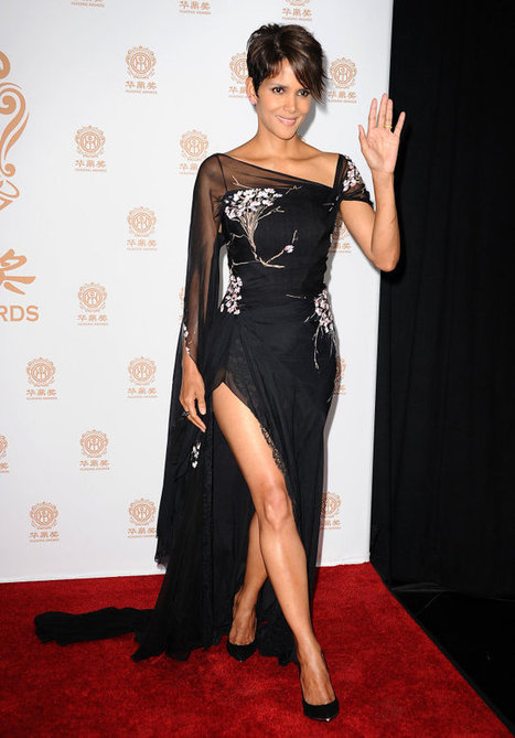 Halle Berry is Stunning in Elie Saab Gown for the Huading Film Awards - MyDaily UK | fashion | Scoop.it
