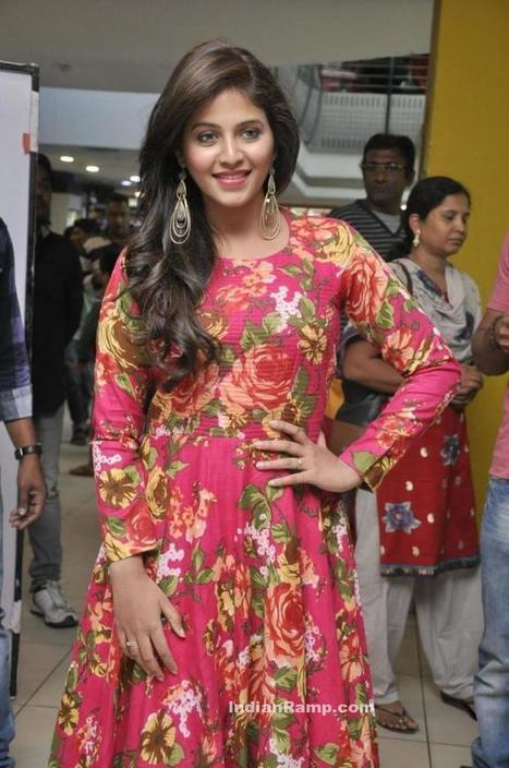 Actress Anjali in Pink Floral Long Frock Salwar Kameez, Actress, Indian Fashion, Tollywood | Indian Fashion Updates | Scoop.it