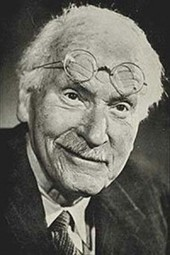 Iconic Psychiatrist Carl Jung on Human Personality in Rare BBC Interview | Southern Hemisphere | Scoop.it