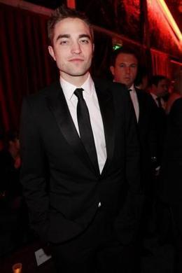 Robert Pattinson enjoys boys' night out - Movie Balla | News Daily About Movie Balla | Scoop.it