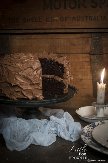Little Box Brownie: Celebration Chocolate Cake | The Man With The Golden Tongs Hands Are In The Oven | Scoop.it