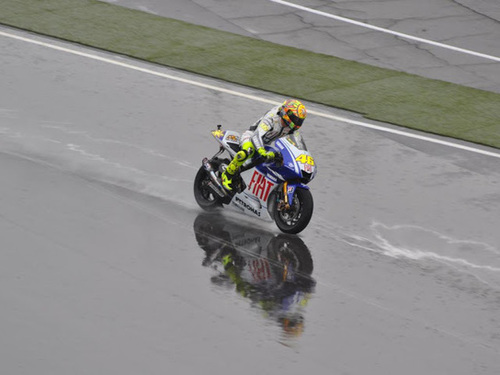 how to ride a motorcycle in the rain