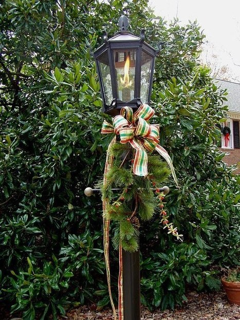 Decorating for Christmas with Magnolia and Pine | Christmas Decorations | Scoop.it