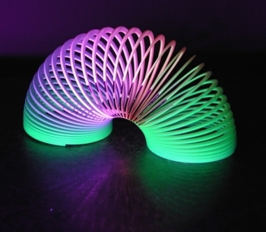 Holy levitating Slinky! | PhysicsLearn | Scoop.it