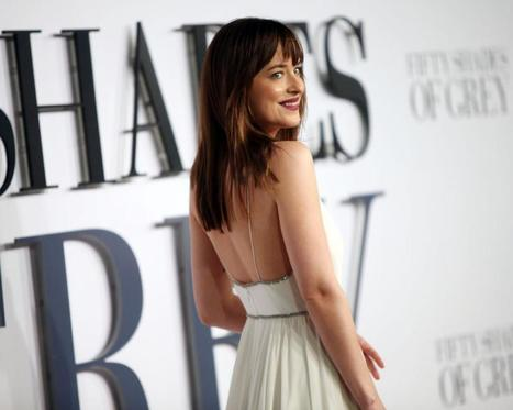 "Dakota Johnson: I 'stole' panties from 'Fifty Shades' set | ""FOLLIEWOOD"" 