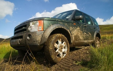 Naked man caught 'having sex' with Land Rover - Telegraph.co.uk | Vevetrois | Scoop.it