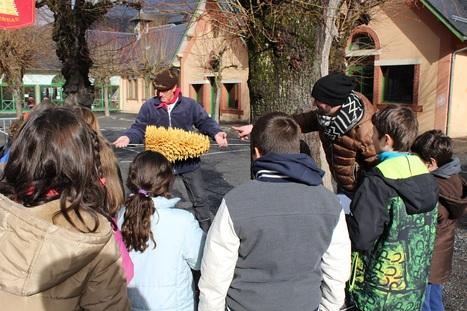 Le gâteau à la broche dans le petit journal du patrimoine des écoliers d'Arreau   Vallée d'Aure - Pyrénées   Scoop.it