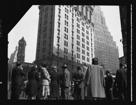 Times Square, D-Day, June 6 1944   GenealoNet   Scoop.it