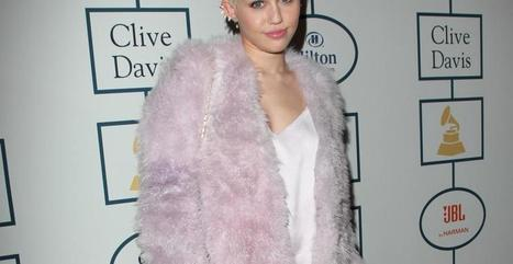 Le look de Miley Cyrus : Acidulée et sexy pour la soirée des Pre ... - Fan2, toute l'actu des stars et les conseils Only Girls   Mode   Scoop.it